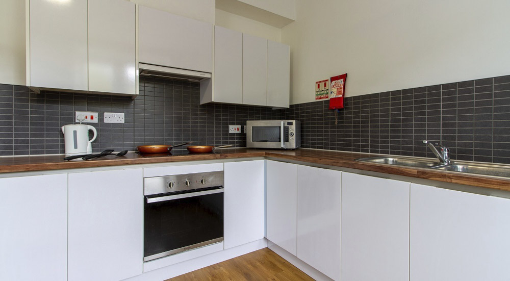 Alexandra-Hall-Aberystwyth-Studio-Kitchen2-Unilodgers