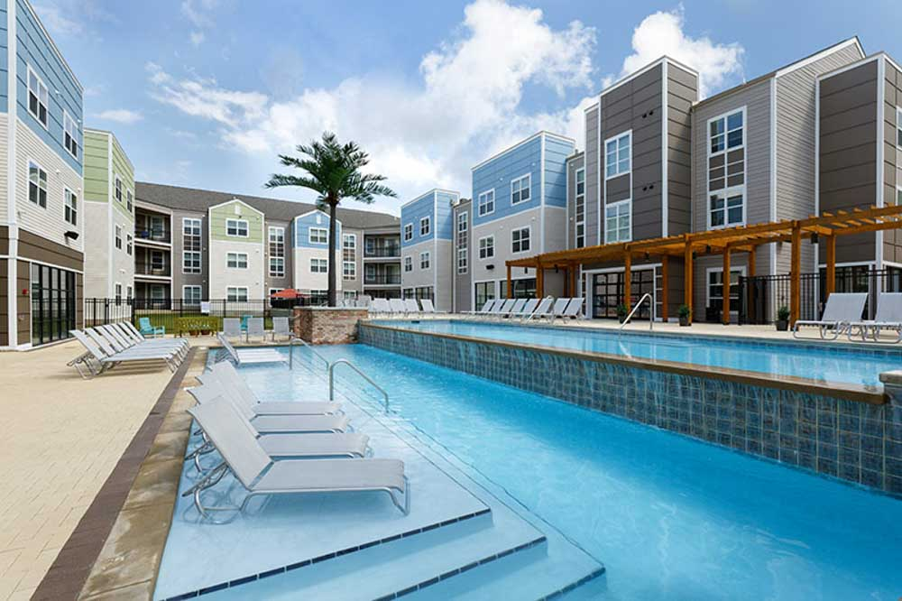Alpha-Tuscaloosa-AL-Swimming-Pool-Unilodgers