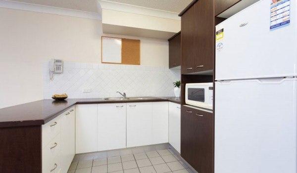 AltitudeTaringa-Brisbane-Kitchen-Unilodgers