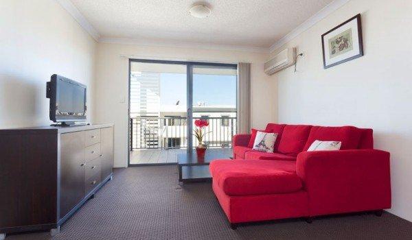 AltitudeTaringa-Brisbane-LivingRoom-3-Unilodgers