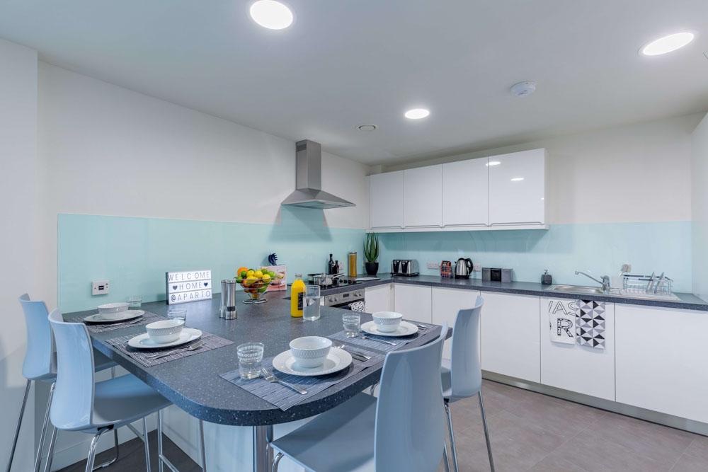 Aparto-Arbury-Court-Kingston-upon-Thames-Kitchen-Unilodgers