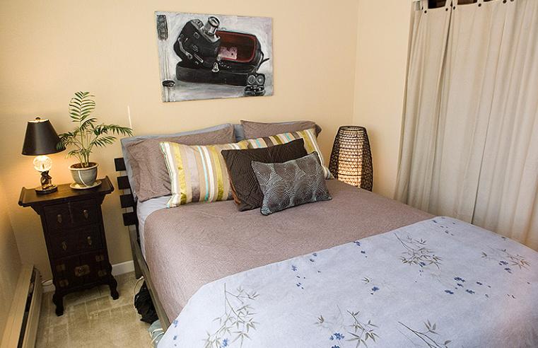 Aperture-Denver-CO-Bedroom-Unilodgers