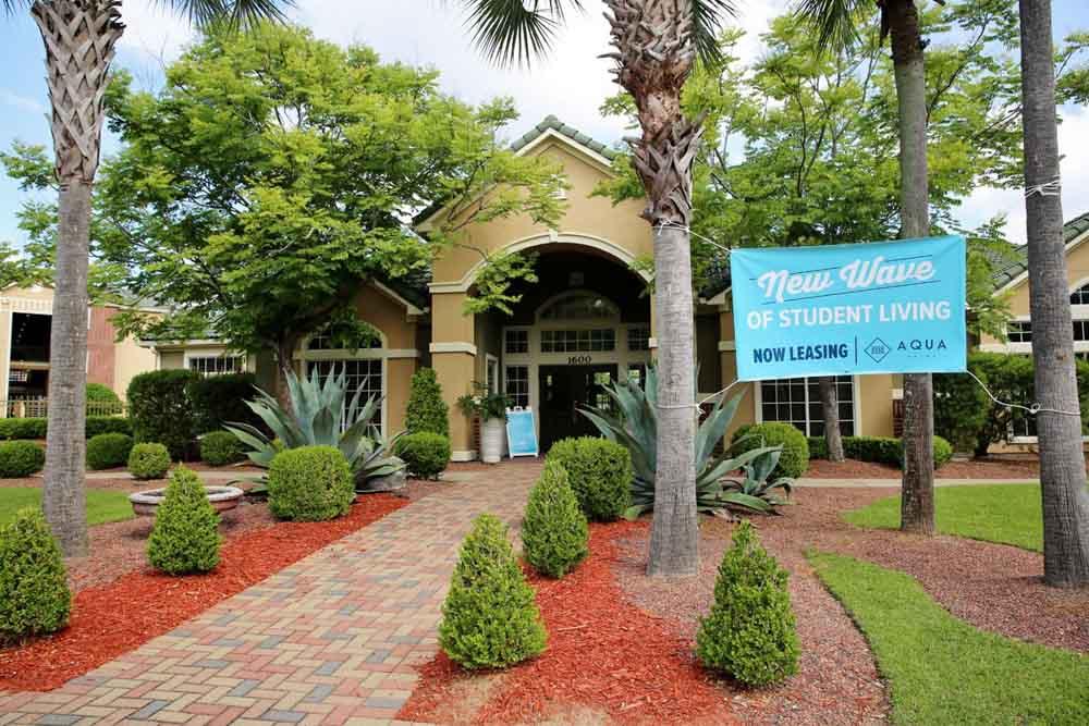Aqua-Palms-Tallahassee-FL-Exterior-Unilodgers