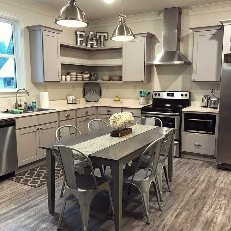 Arcadia-On-The-River-Milledgeville-GA-Kitchen-With-Dining-Area-Unilodgers