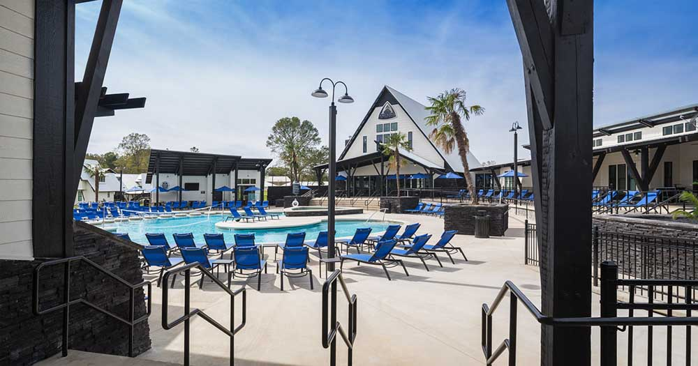 Arcadia-On-The-River-Milledgeville-GA-Swimming-Pool-Unilodgers