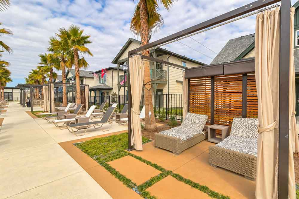 Arlington-Cottages-And-Townhomes-Baton Rouge-LA-Outdoor2-Unilodgers