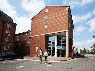 Arrad-House-Liverpool-Exterior-Unilodgers