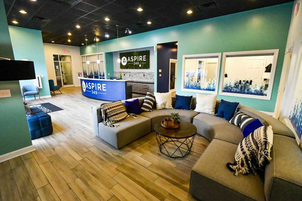 Aspire-349-Wilmington-NC-Lounge-Unilodgers
