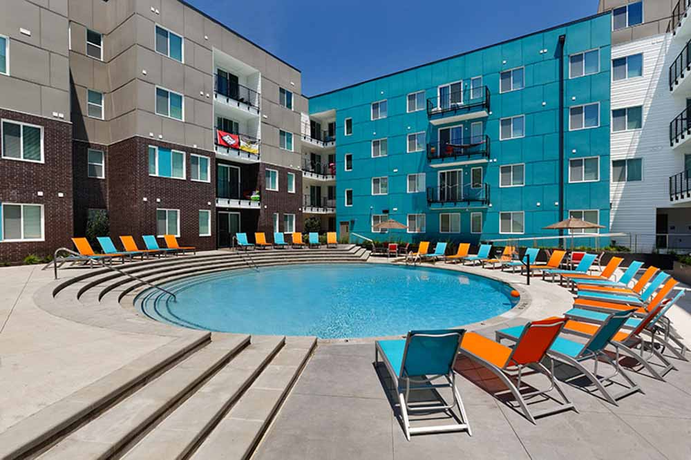 Atmosphere-Fayetteville-AR-Swimming-Pool-Unilodgers