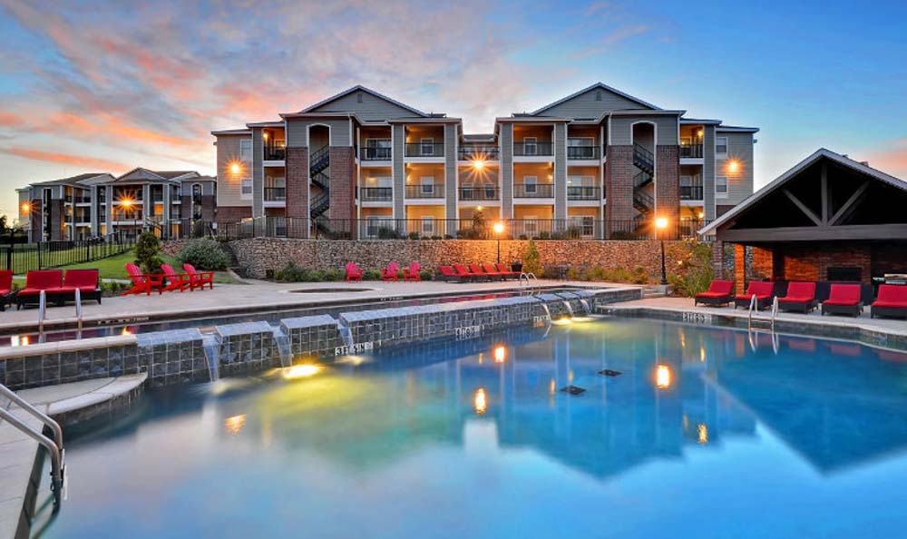 Avenue-East-Stillwater-OK-Swimming-Pool-Unilodgers