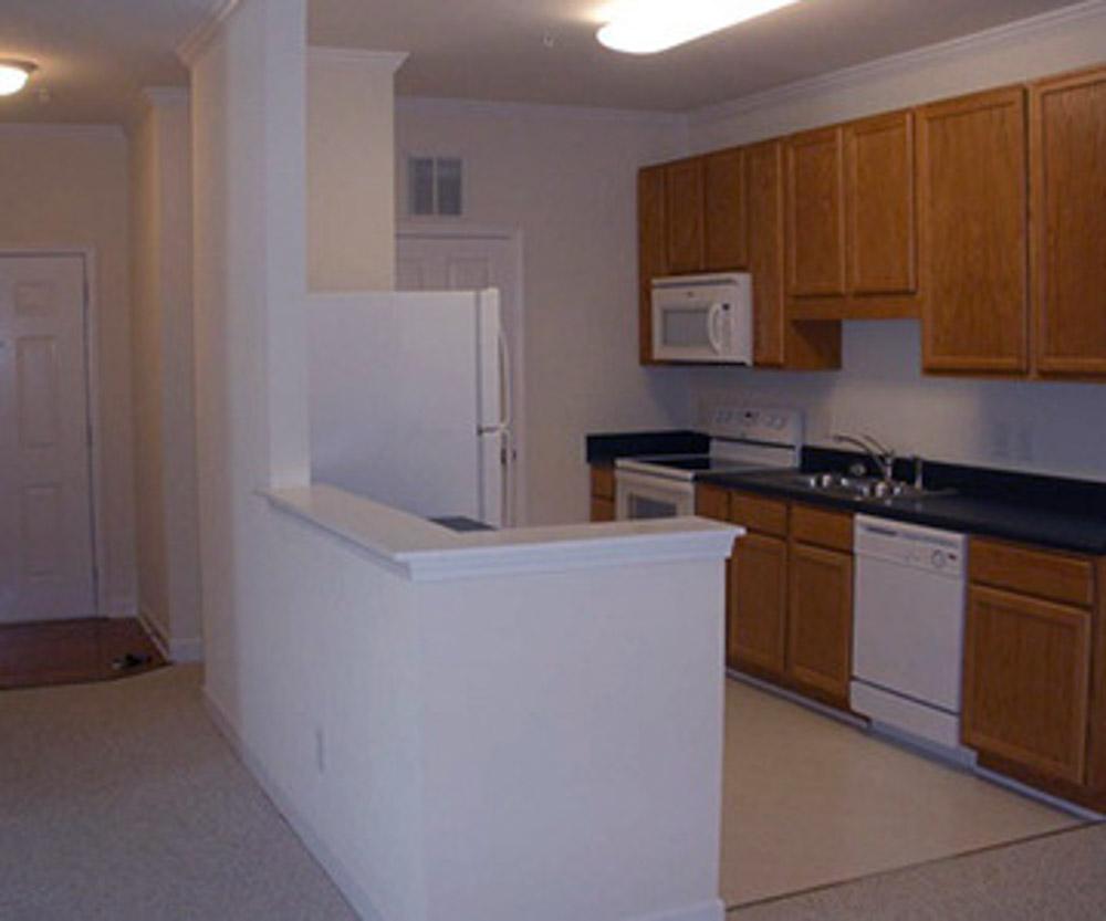 Blue-Ridge-Apartments-Raleigh-NC-Kitchen-Unilodgers