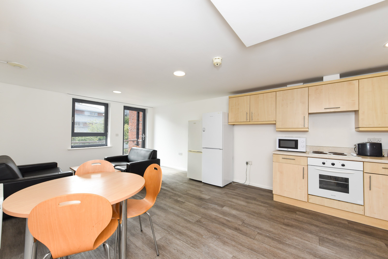 Bolsover-House-Sheffield-2-Shared-Kitchen-Unilodgers