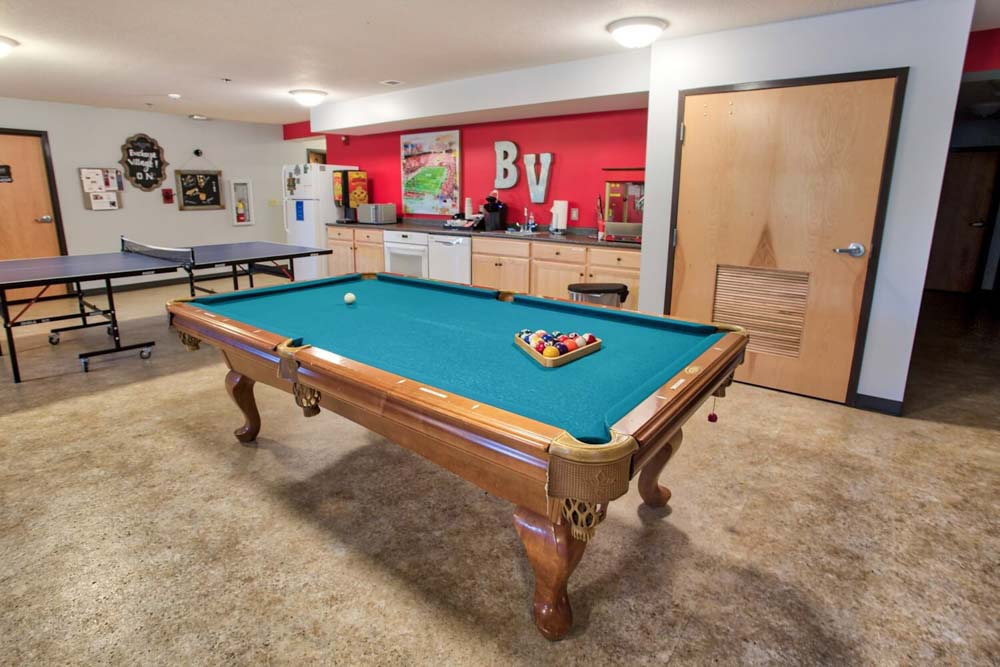 Buckeye-Village-Mansfield-OH-Games-Room-Unilodgers