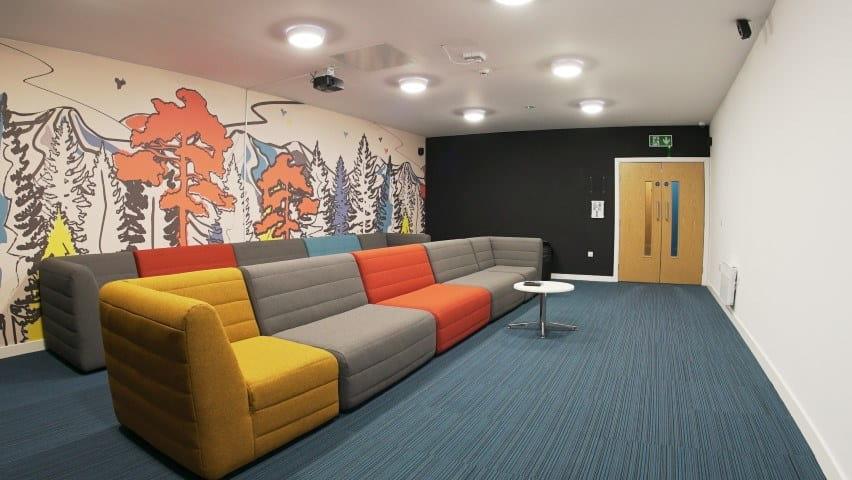 Burgess-House-Newcastle-Cinema-Room-1-Unilodgers