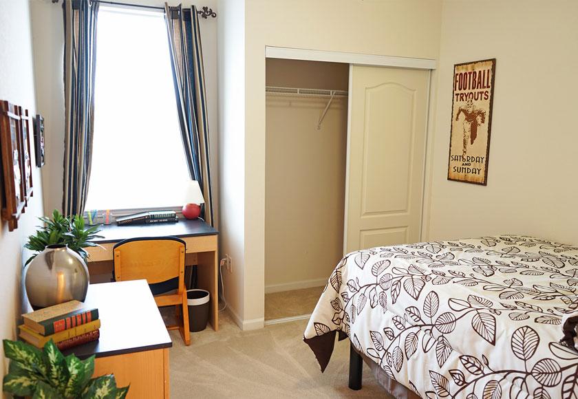 CEV-Ruston-LA-Bedroom-Unilodgers