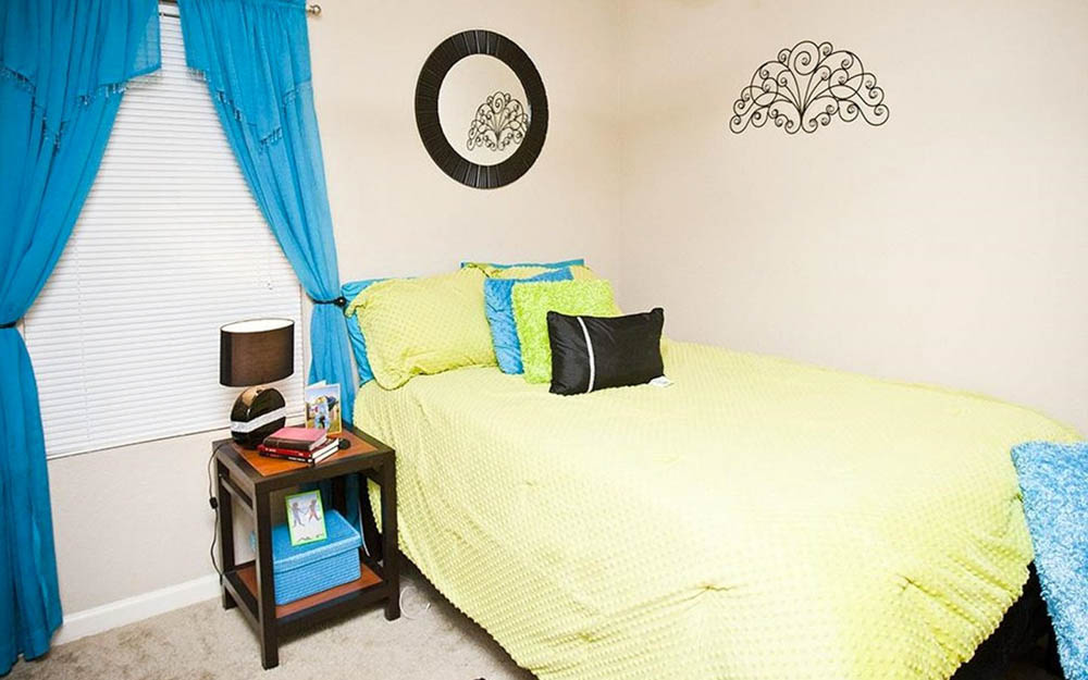 CEV-Upstate-Spartanburg-SC-Bedroom-Unilodgers