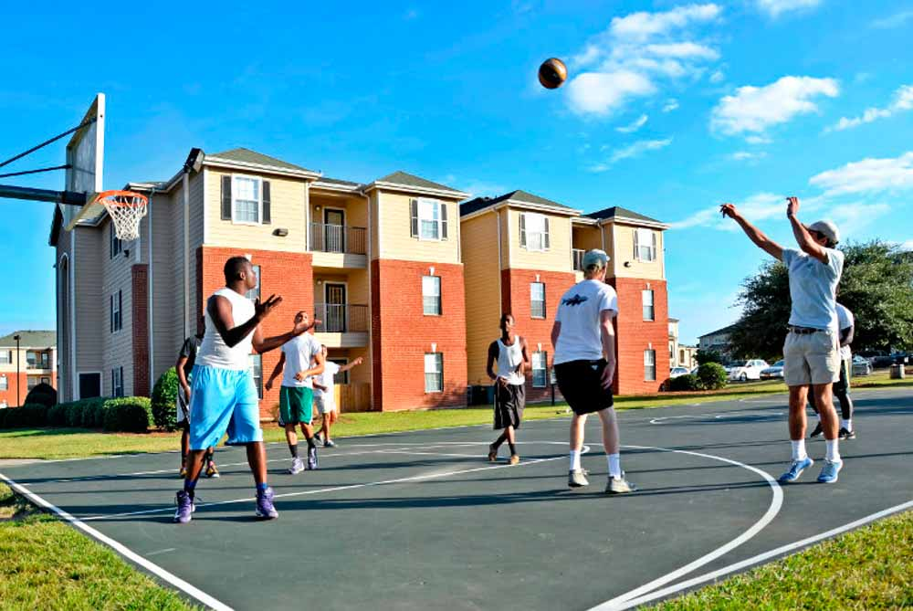 Cambridge-@-Southern-The-Palms-Statesboro-GA-Basketball-Court-Unilodgers