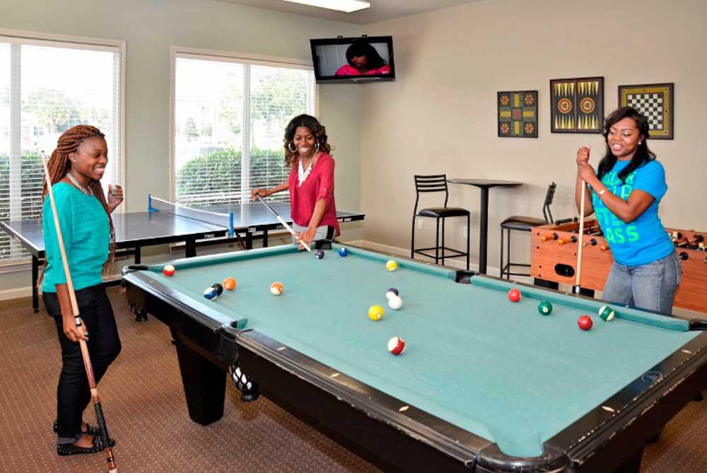 Cambridge-@-Southern-The-Palms-Statesboro-GA-Pool-Table-Unilodgers