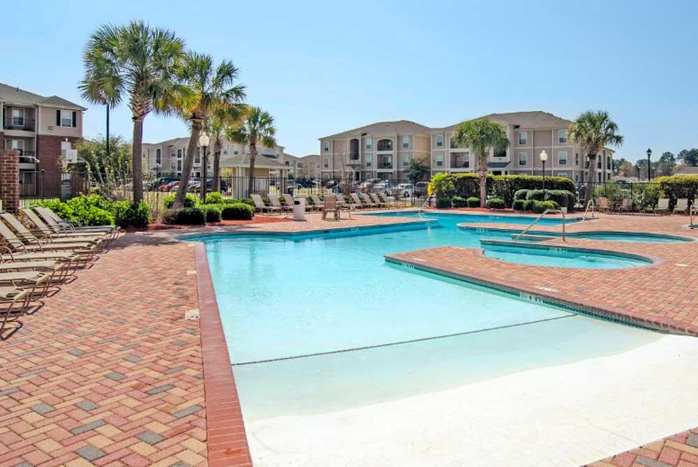 Cambridge-@-Southern-The-Palms-Statesboro-GA-Swimming-Pool-Unilodgers