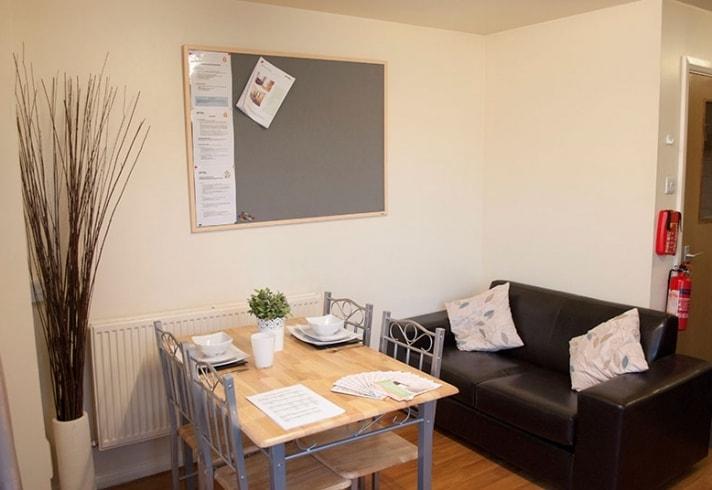 Cambridge House-Manchester-Living-Unilodgers