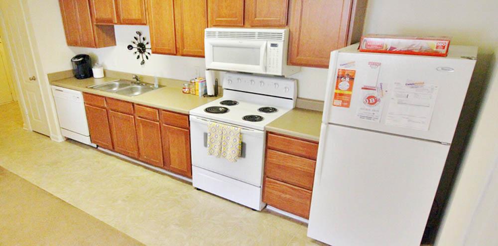 Campbell-Creek-Lillington-NC-Kitchen-Unilodgers