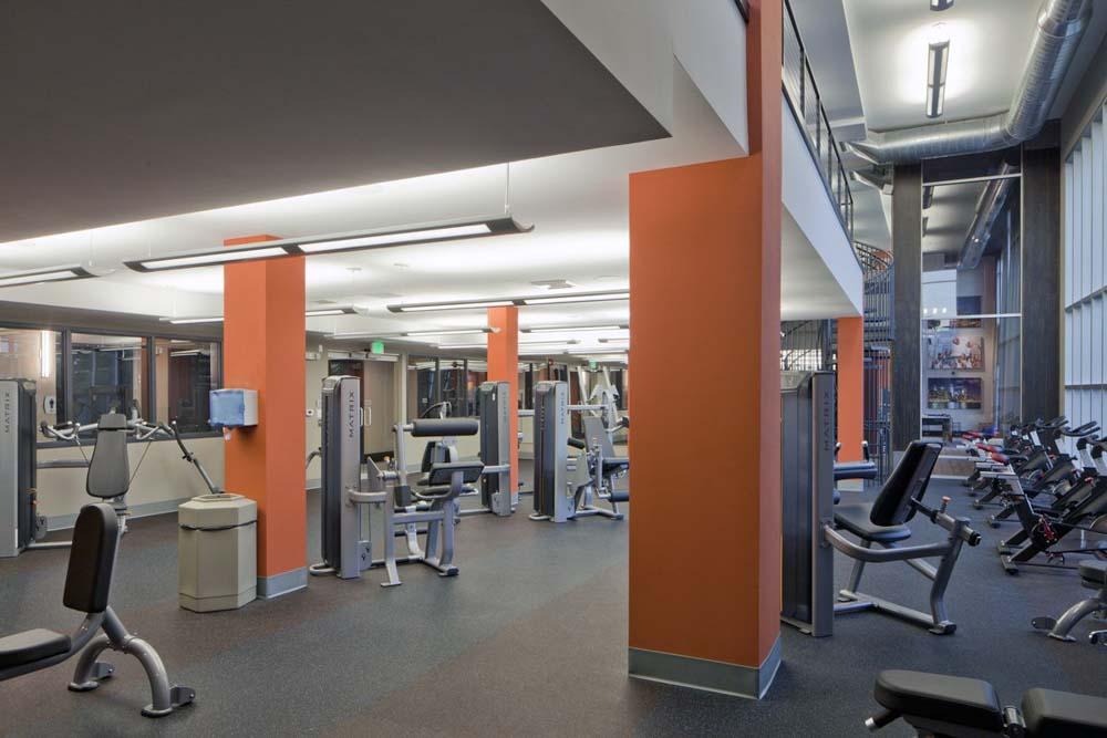 Campus-Circle-Urbana-IL-Gym-Unilodgers