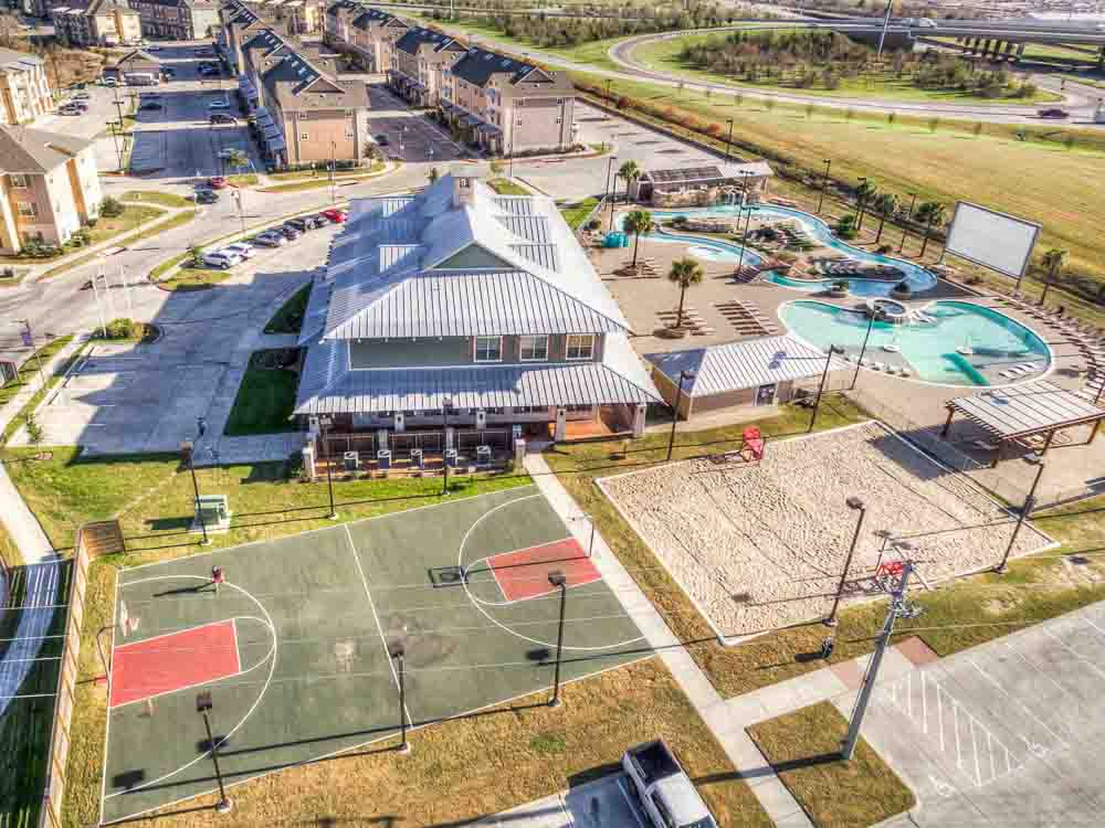 Campus-Village-At-College-Station-TX-Exterior-Unilodgers