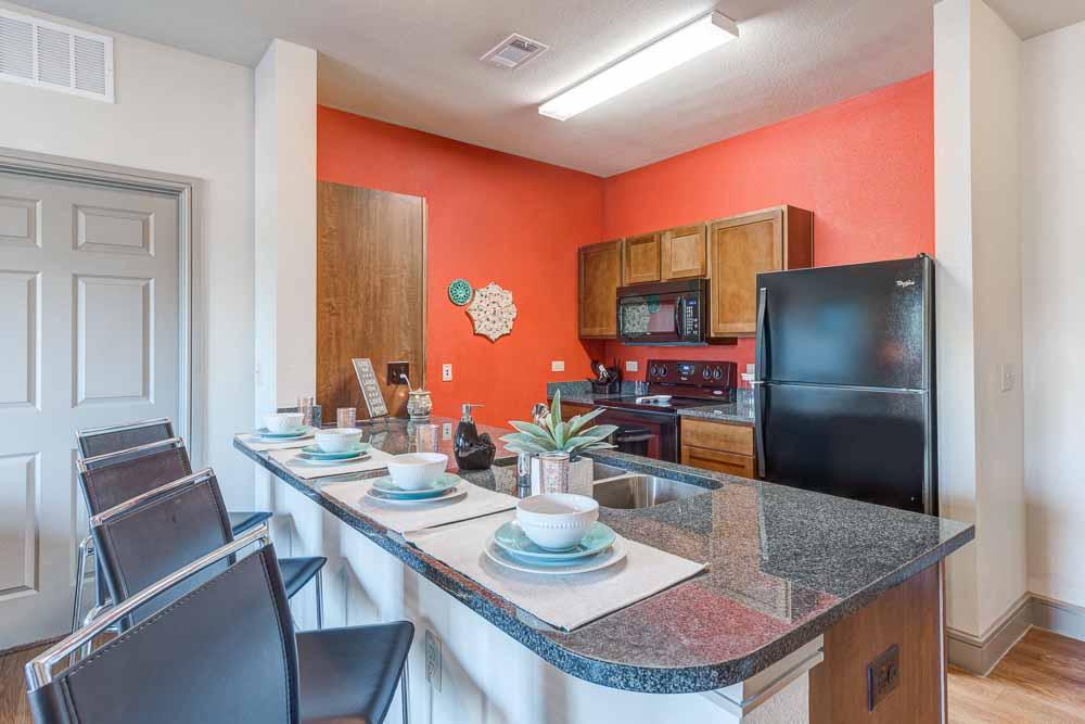 Campus-Village-At-College-Station-TX-Kitchen-Unilodgers