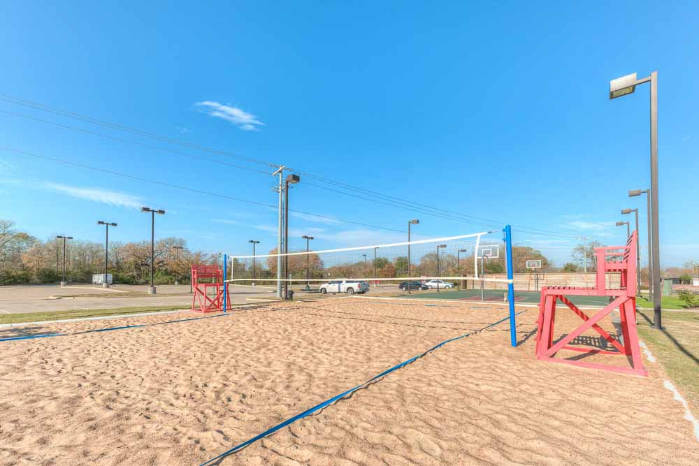 Campus-Village-At-College-Station-TX-Volley-Ball-Court-Unilodgers