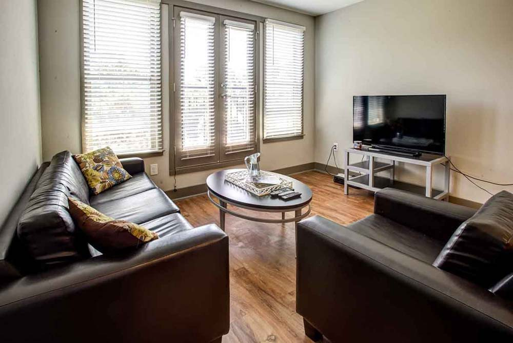 Campus-West-At-Tryon-Raleigh-NC-Living-Area-With-TV-Unilodgers