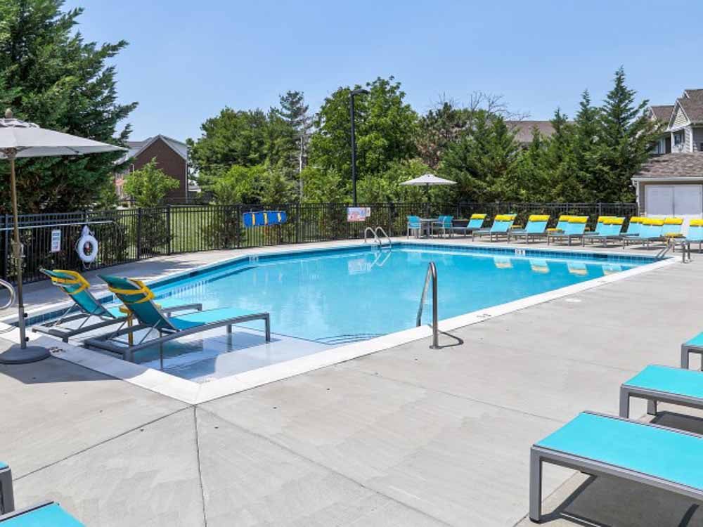 Campus-Court-At-Red-Mile-Lexington-KY-Swimming-Pool-Unilodgers