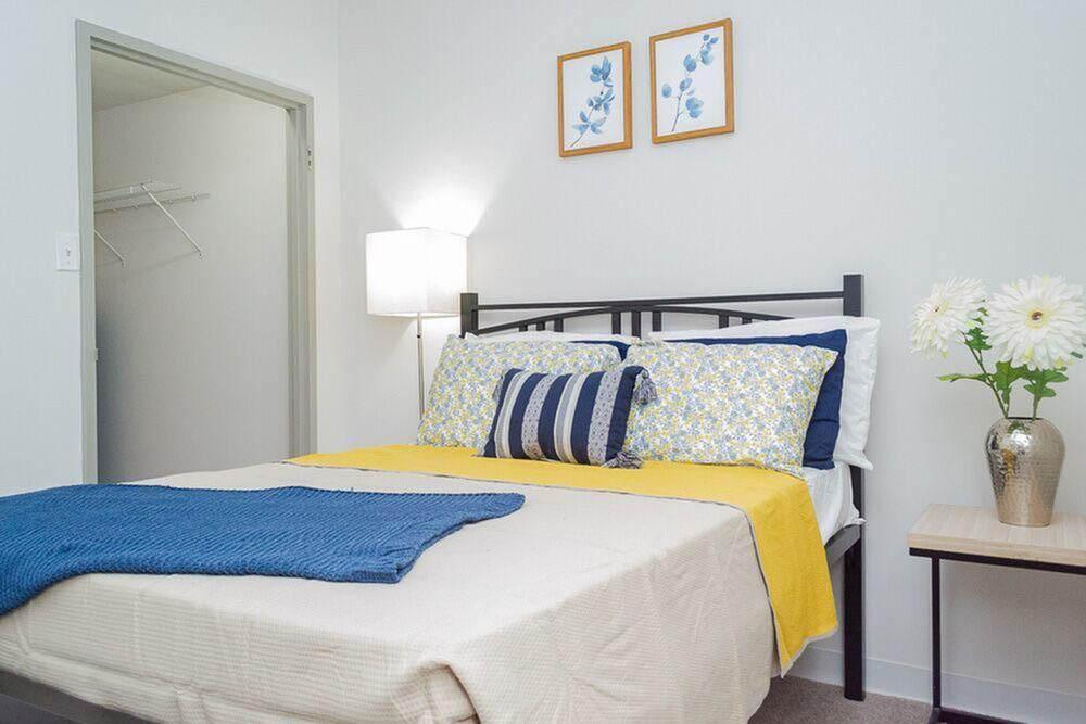 Carriage House-Philadelphia-PA-Bedroom-Unilodgers