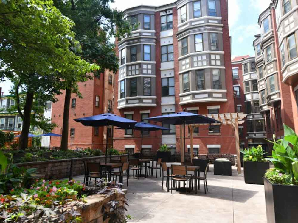 Carriage House-Philadelphia-PA-Exterior-Unilodgers