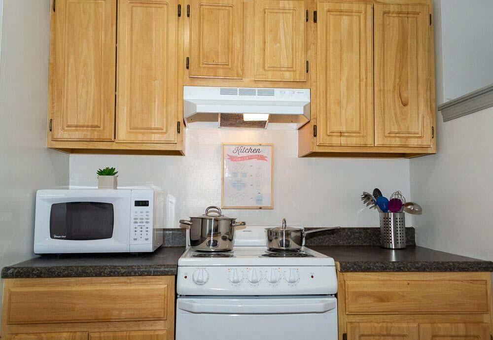 Carriage House-Philadelphia-PA-Kitchen-Unilodgers