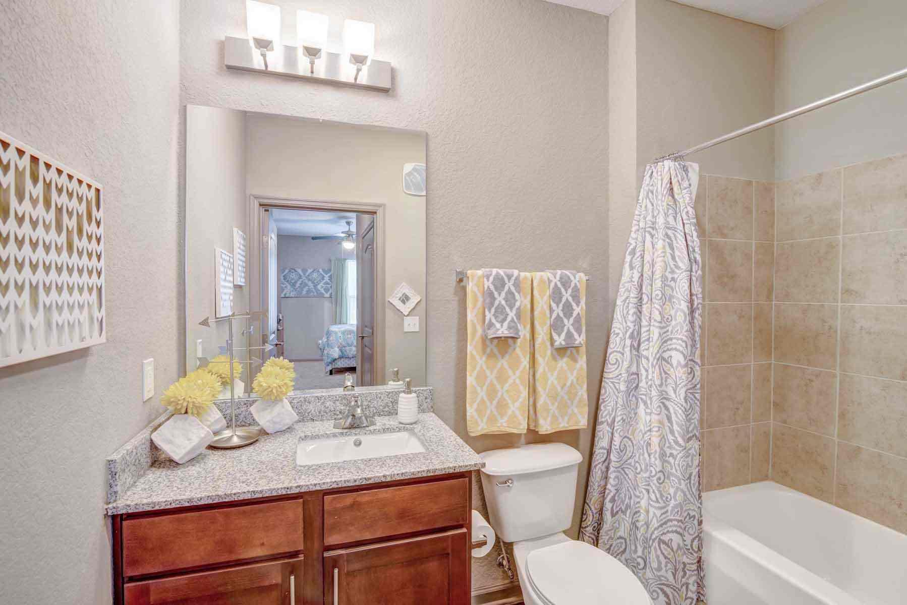 Catalyst-Tallahassee-Bathroom-Unilodgers