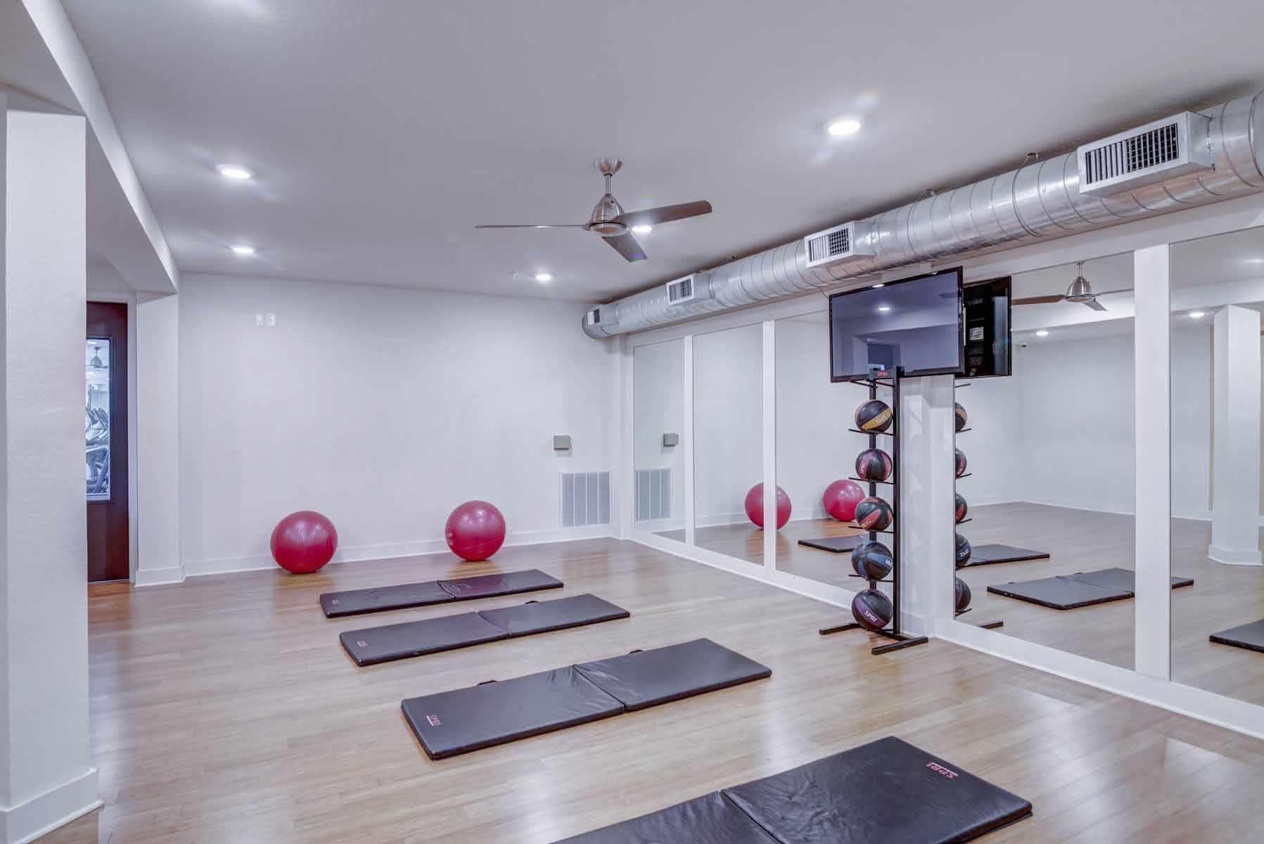 Catalyst-Tallahassee-Yoga-Room-Unilodgers