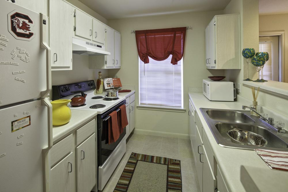 Cayce-Cove-Cayce-SC-Kitchen-Unilodgers