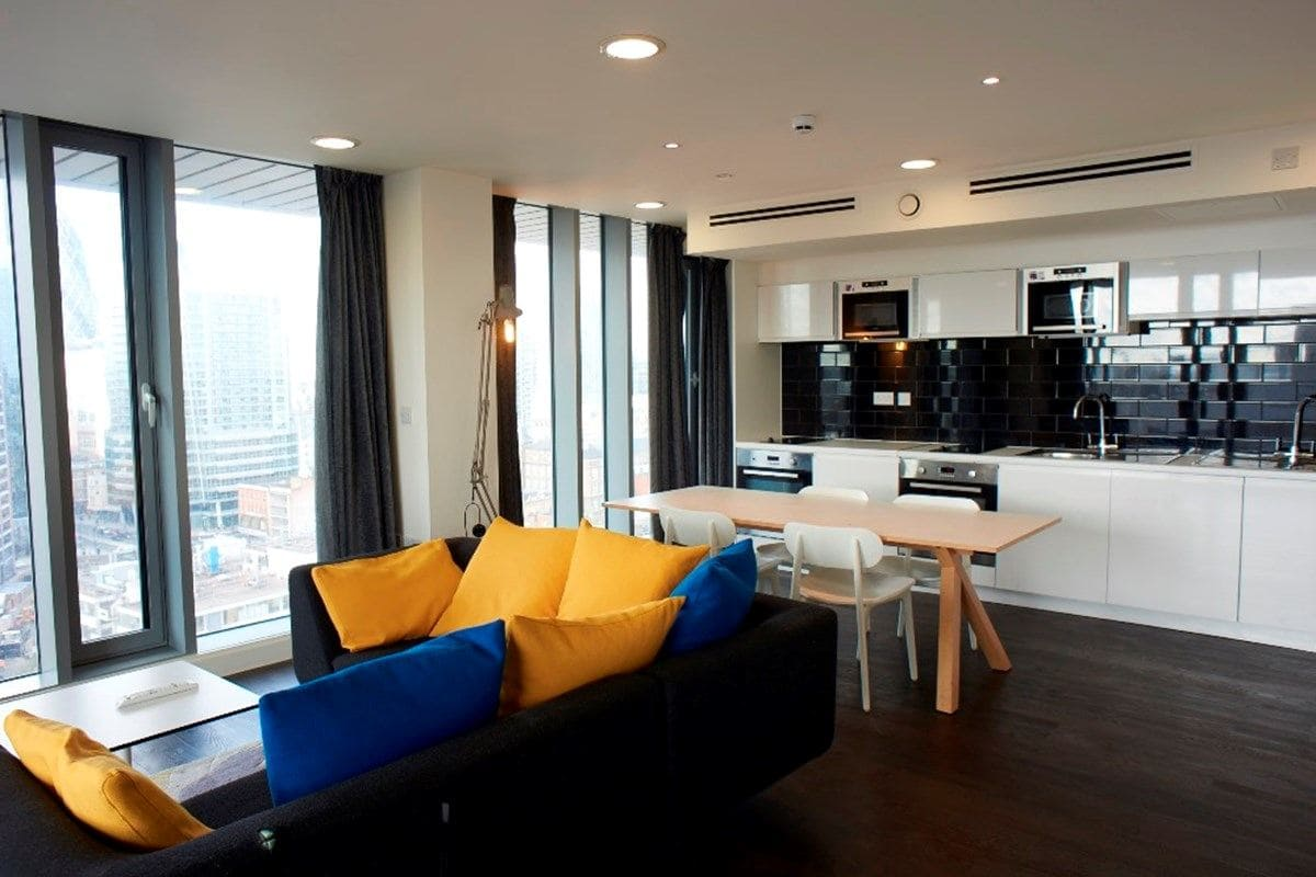 Chapter-Aldgate-London-Bronze-En-suite-Shared-Kitchen-Living-Area-Unilodgers