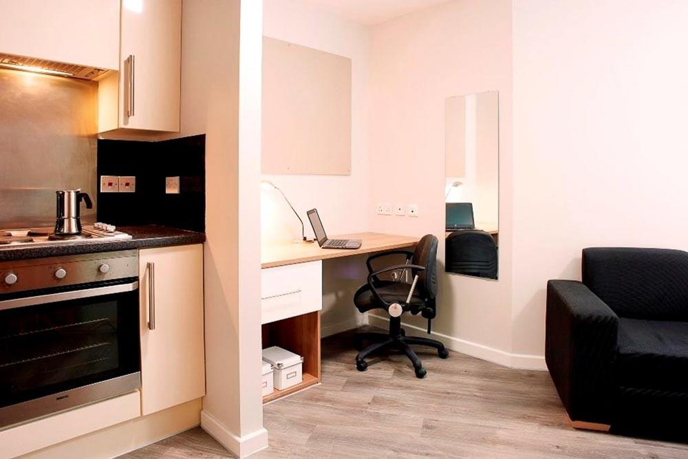 Chapter-Islington-London-Silver-Premium-Studio-1-Unilodgers