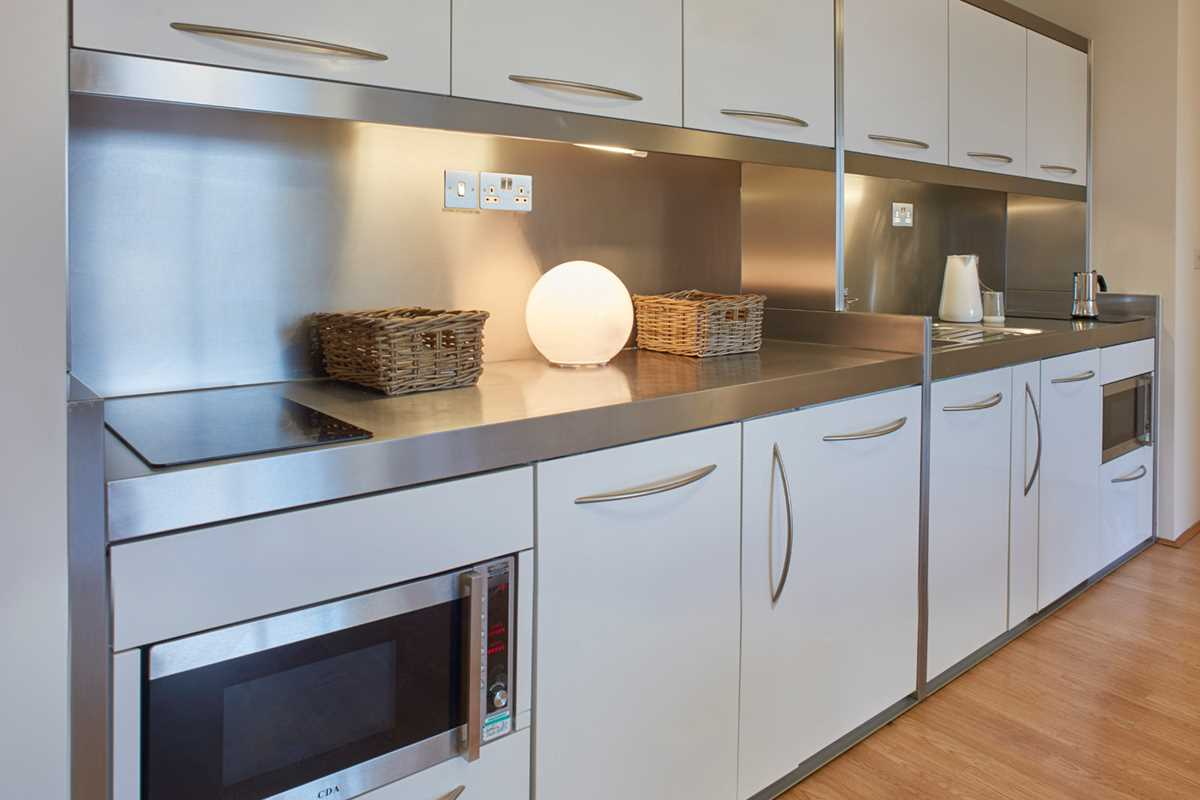 Chapter-Spitalfields-London-4-Bedroom-Apartment-Shared-Kitchen-01-Unilodgers