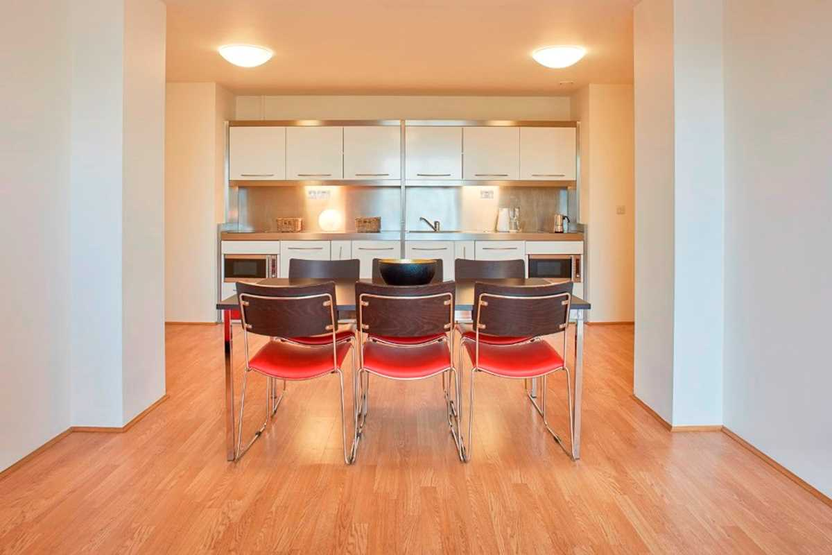 Chapter-Spitalfields-London-4-Bedroom-Apartment-Shared-Kitchen-Unilodgers
