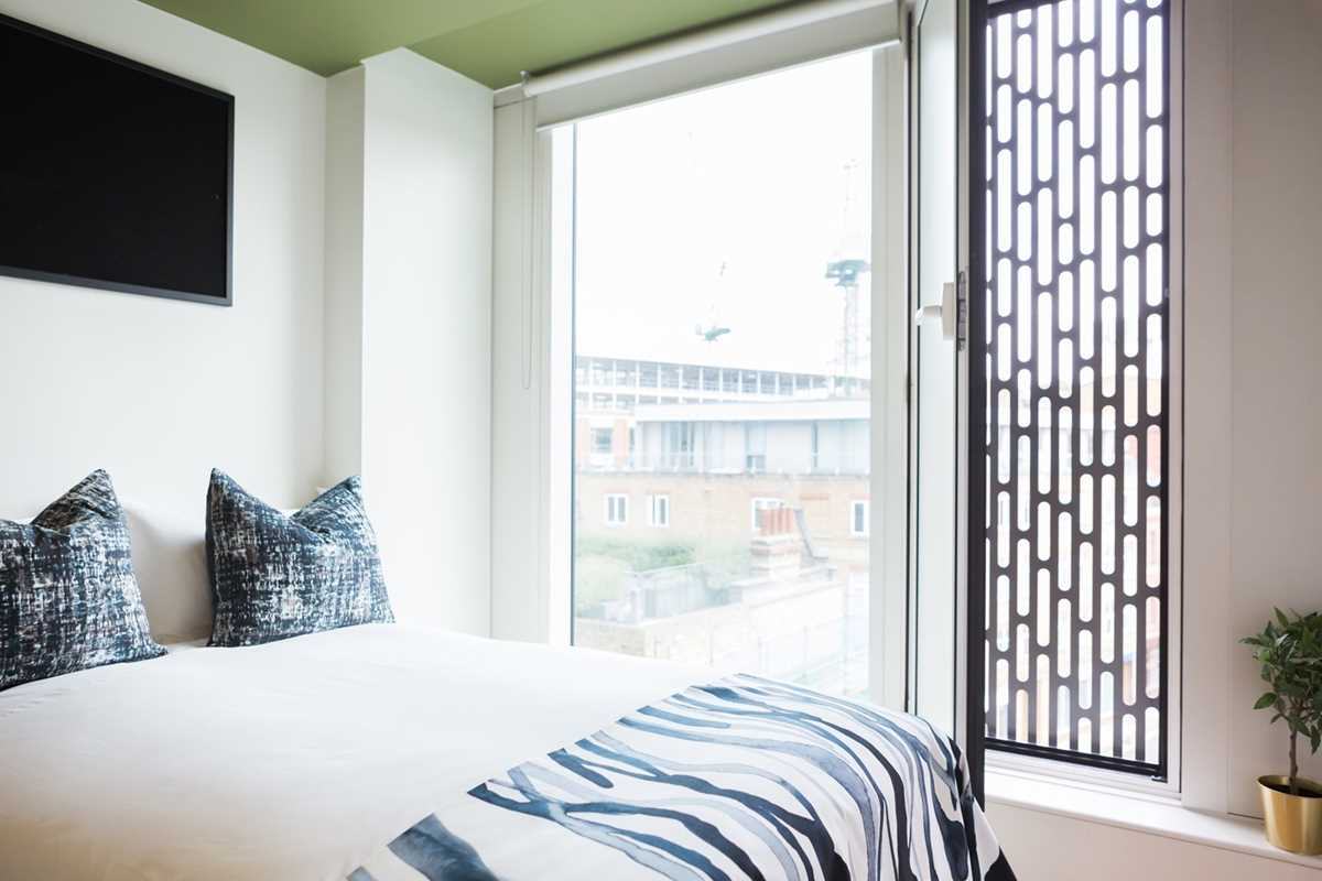 Chapter-Spitalfields-London-Bronze-Ensuite-Bedroom-View-Unilodgers