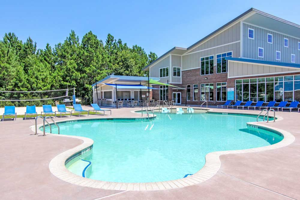 Coastal Club Student Living-Convay-SC-Swimming Pool-Unilodgers