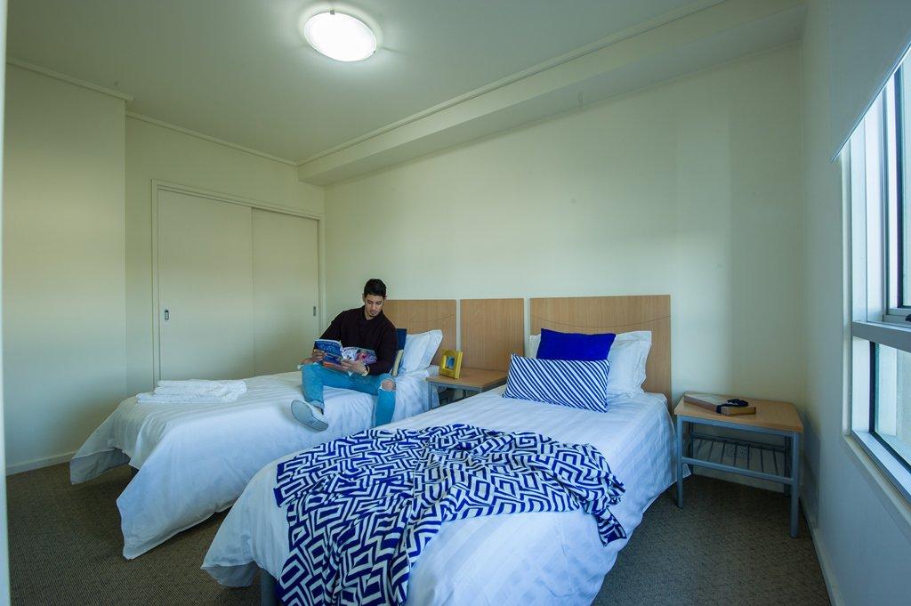 College-Square-on-Lygon-Melbourne-Bedroom2-Unilodgers