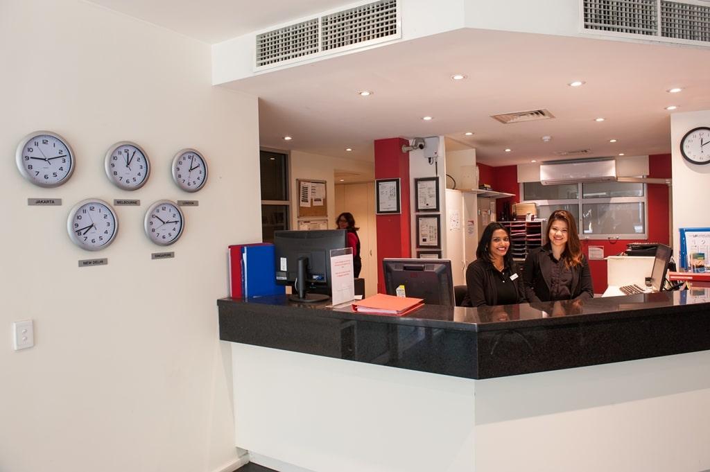 College-Square-on-Lygon-Melbourne-Reception1-Unilodgers