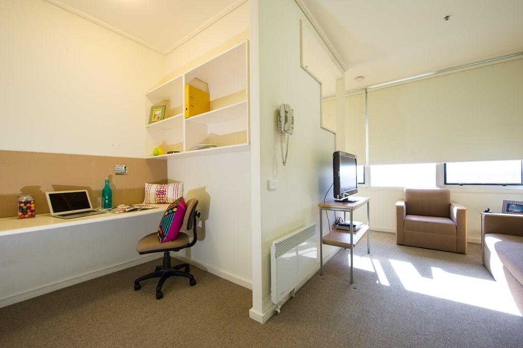 College-Square-on-Lygon-Melbourne-Study-Desk1-Unilodgers