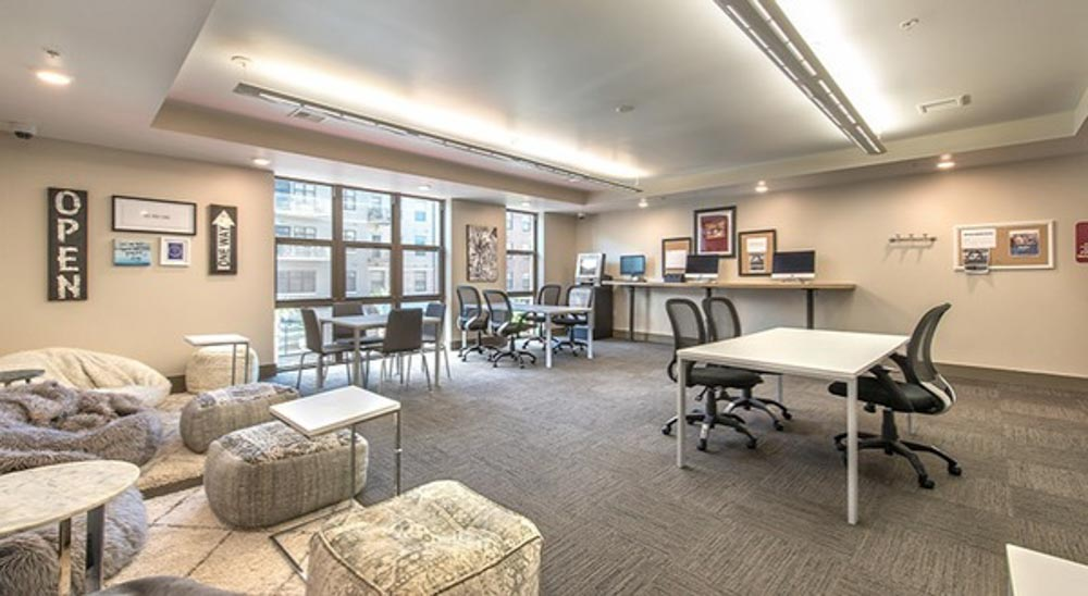 College-Town-Phase-III-Student-Apartments-Tallahassee-FL-Study-Lounge-Unilodgers