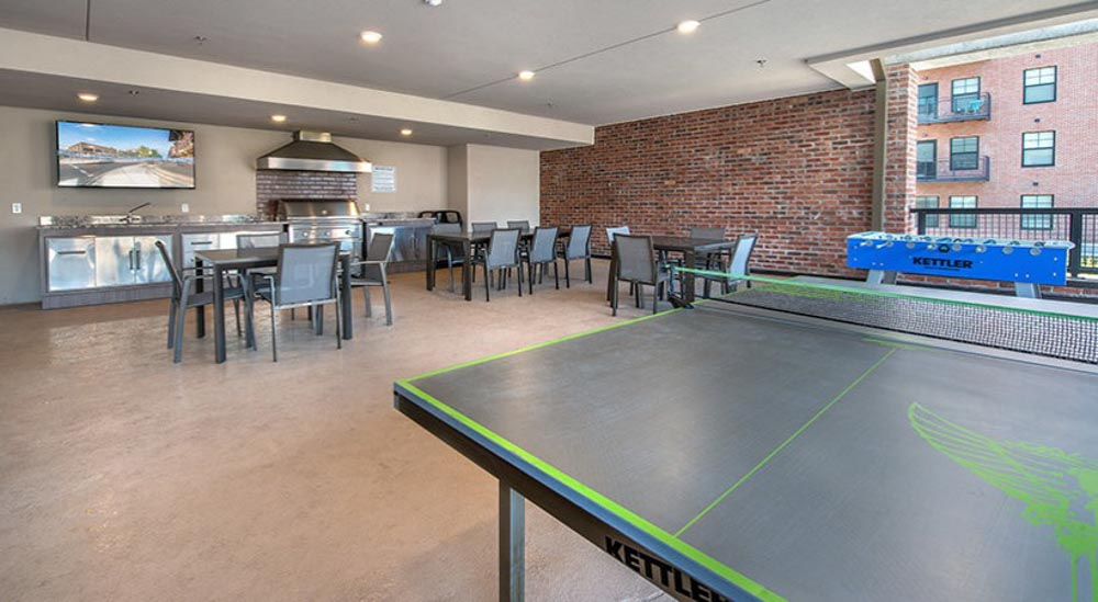 College-Town-Student-Apartments-Tallahassee-FL-Games-Room-Unilodgers