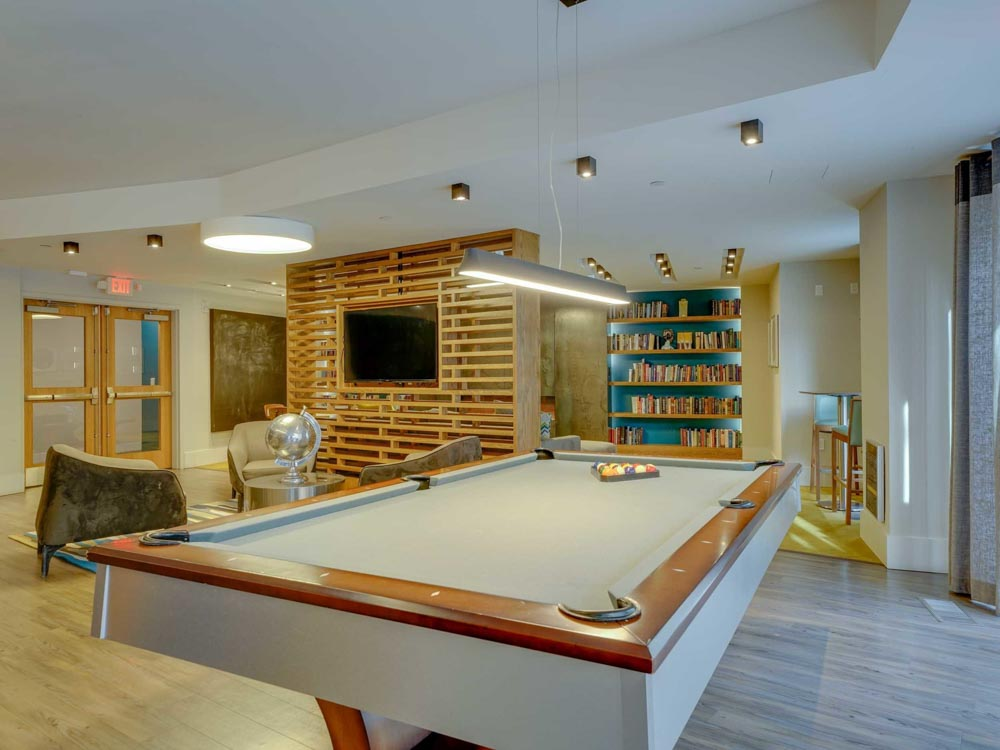 College-and-Crown-New-Haven-CT-Pool-Table-Unilodgers