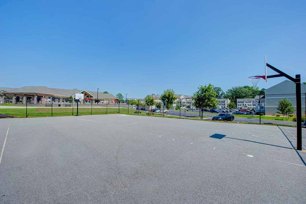 Copper-Beech-Townhomes-Greenville-Basketball-Court-Unilodgers